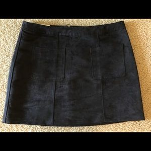 NWT Old Navy suede mini skirt.
